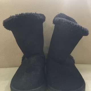 Airwalk black fur boots