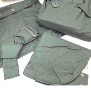 🚚 軍綠色官式雨衣