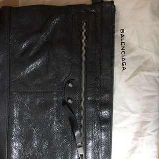 balenciaga clutch 新 100%real  90%new 袋