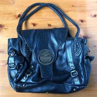 Handbag black with gold detail