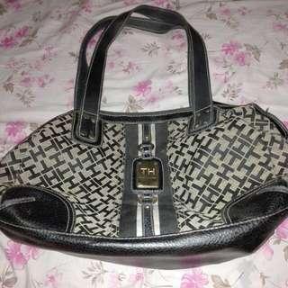 Authentic / original Tommy Hilfiger Shoulder Bag