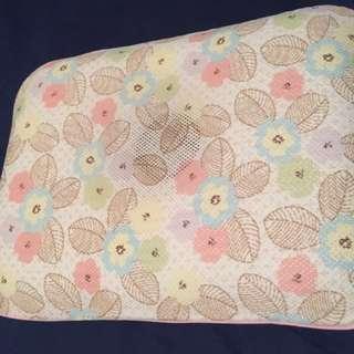M size Gio Pillow