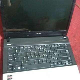 Laptop Acer E1-421