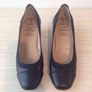 Obermain Black Heel Shoes