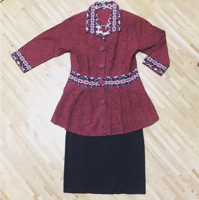 (1 set) Batik Top X Black Skirt