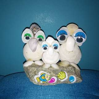 Handmade Sea-shells -The Happy OWL FAMILY of 3