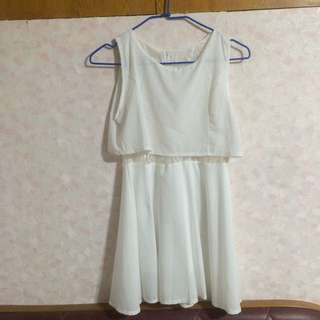 白色腰間蕾絲雪紡洋裝