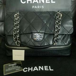 💟💟100% Real 95%new Chanel black with silver chain handbag.  Come with Chanel sticker, card,  booklet, paper bag. Size: L36 x H24 x D12cm