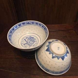 舊青花米通四寸半碗兩隻「玩玉」底款