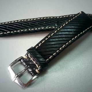HIRSCH Rivetta Calf Leather Watch Strap (Black, 20mm)