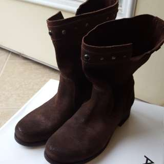 Size 36 Diesel suede boots