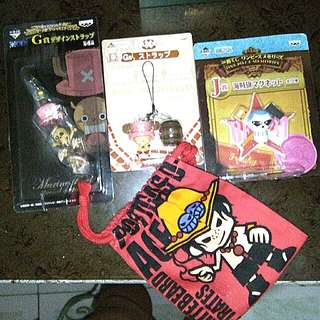 One piece keychain/mini action figure (take all)