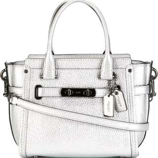 Coach swagger 21 bag silver