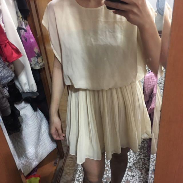 米白色前短後長洋裝