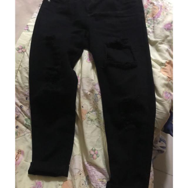 刷破破洞黑色牛仔長褲  #長褲特賣