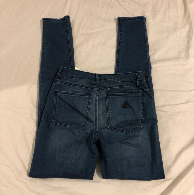 A Brand Mid Skinny Size 7