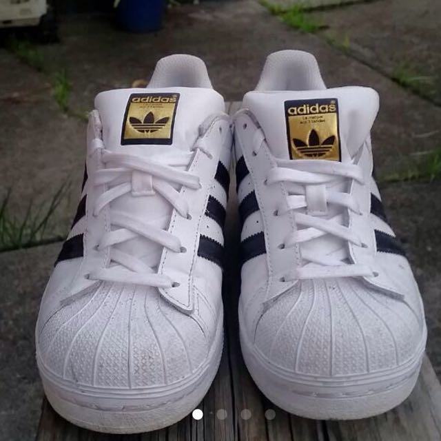 Adidas superstars Size 7