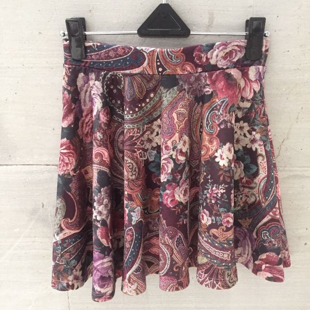 BERSHKA rok mini batik