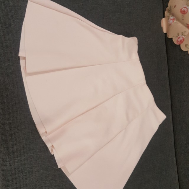 Bershka skirt in pastel pink