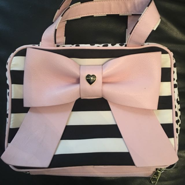 'Betsey Johnson' Make Up Bag