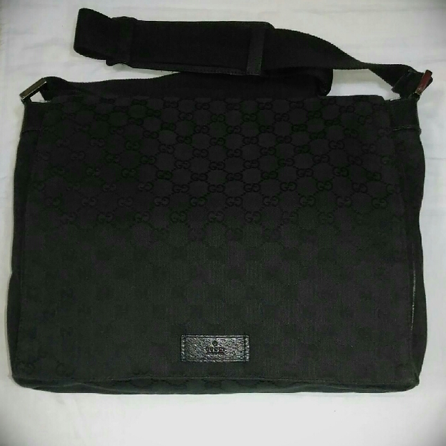 b076049f137 BID ITEM  GUCCI Black Monogram Canvas Messenger Bag