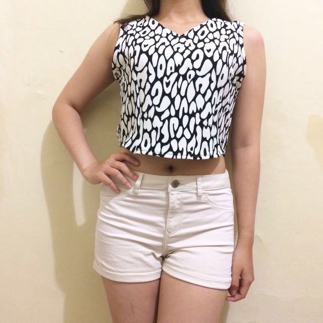 BKK B&W CROP TOP