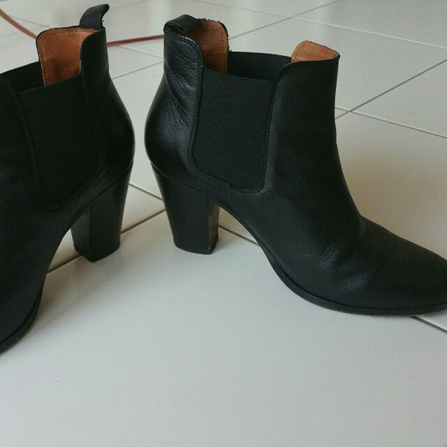 Black leather heeled chelsea boots jack wills