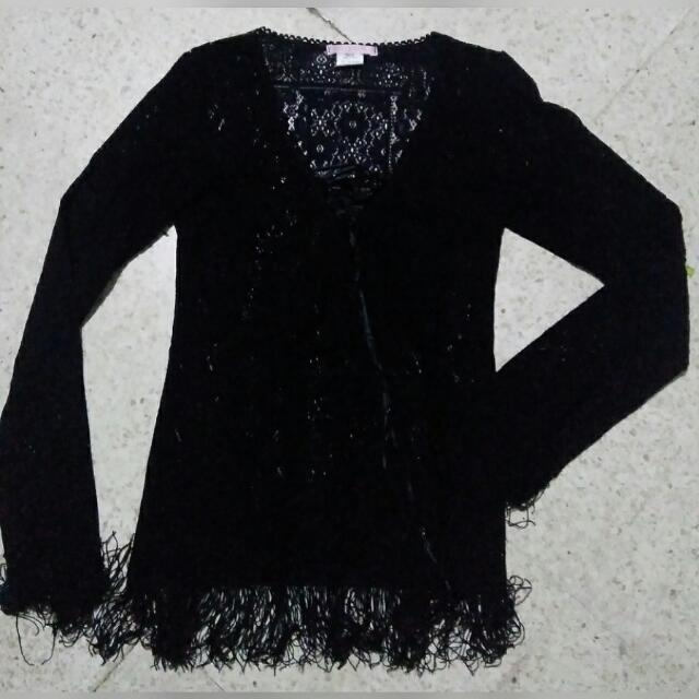 black outer lace fringe