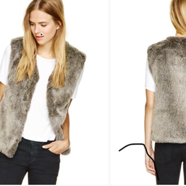 Brand new faux fur aritzia