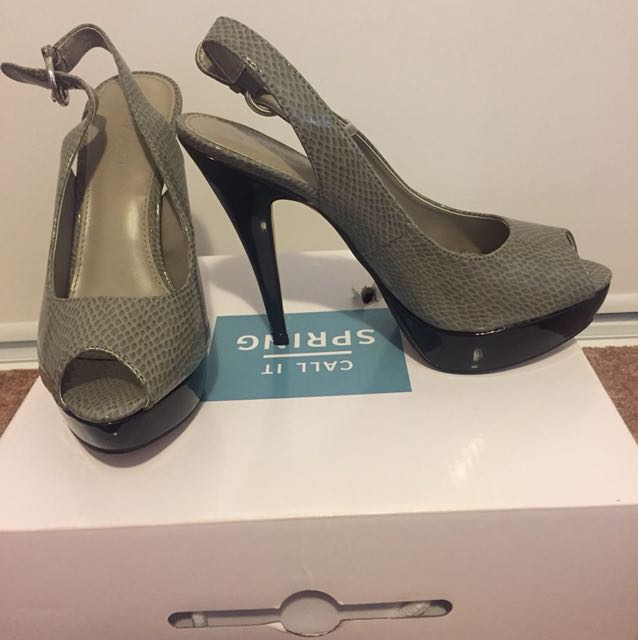 Brand new le chateau heels