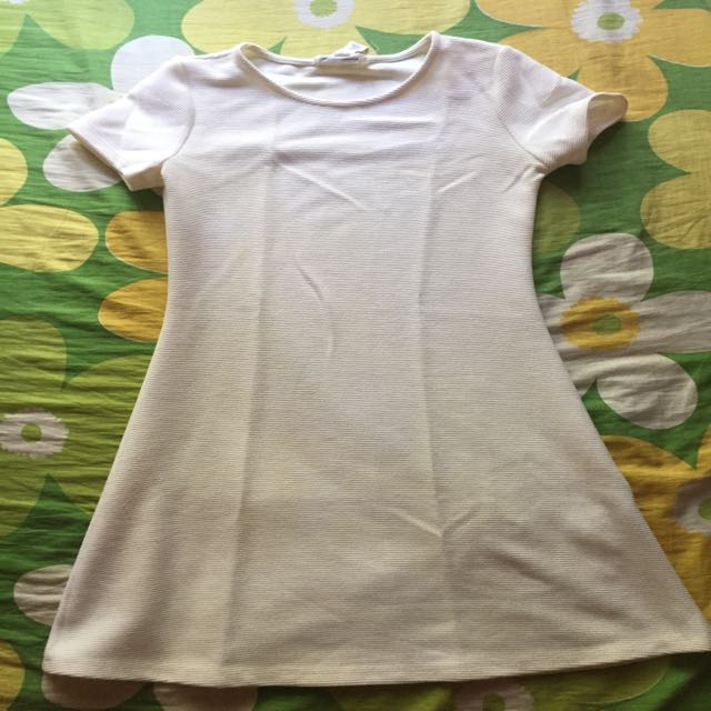 Cream colour dress (forever21) worn once