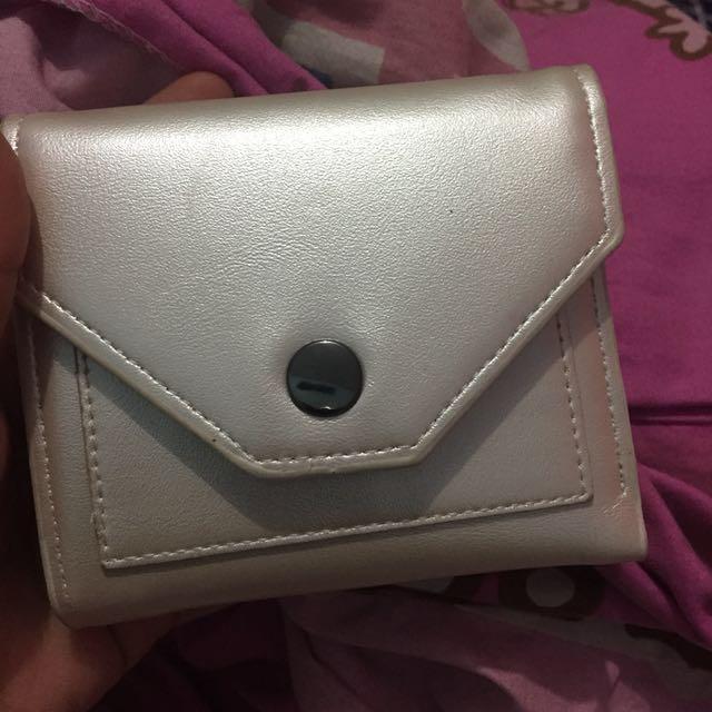 Dompet mini putih