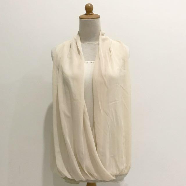 Double-layer sleeveless blouse