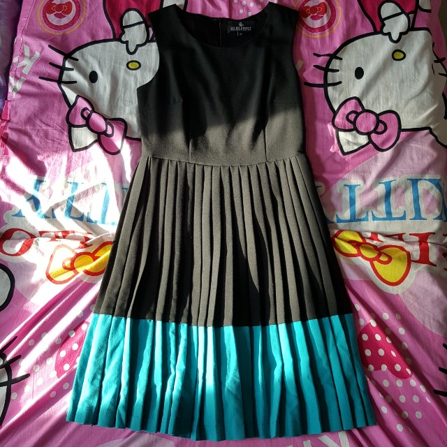 Doublewoot Pleated Dress (Size M)