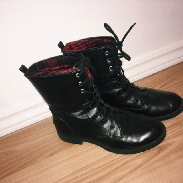 Fall Black Chic Combat Boots