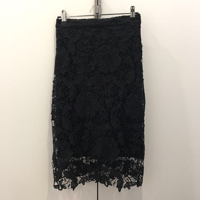 Floral Lace Skirt Size 6