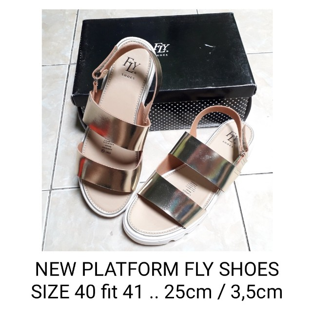 FLY SHOES NEW