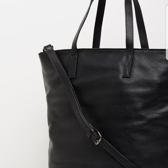 *FREE POST* Status Anxiety Fire on the vine bag in black