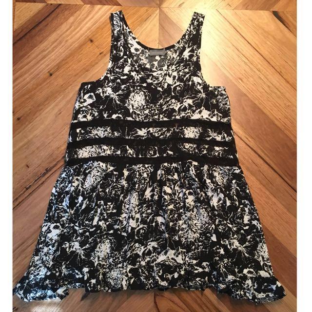 Indikah black & white lace panel dress, size 8
