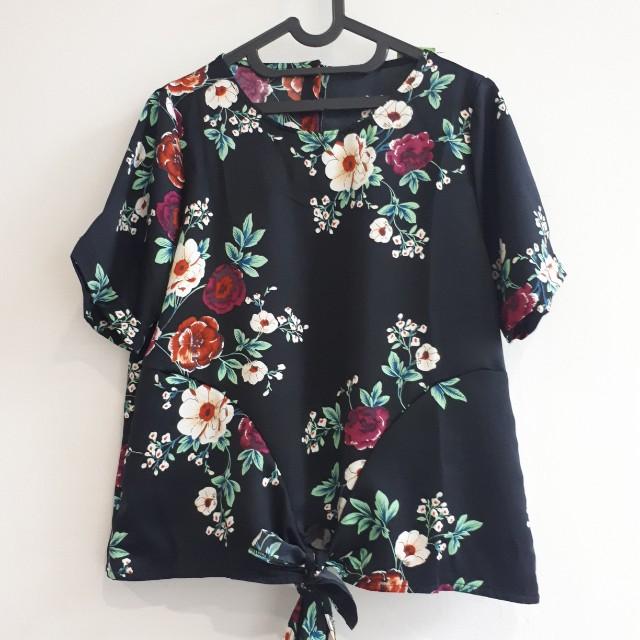 Last Item Flower Top