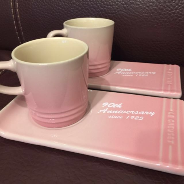 Le Creuset Set of 2 Cappuccino Mugs 200ml and Gourmet Saucer (Milky Pink)