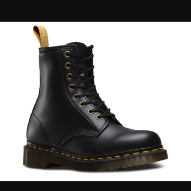 Looking for doc martens size 6