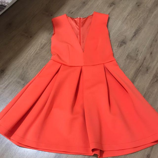 Low Neckline Balloon Dress