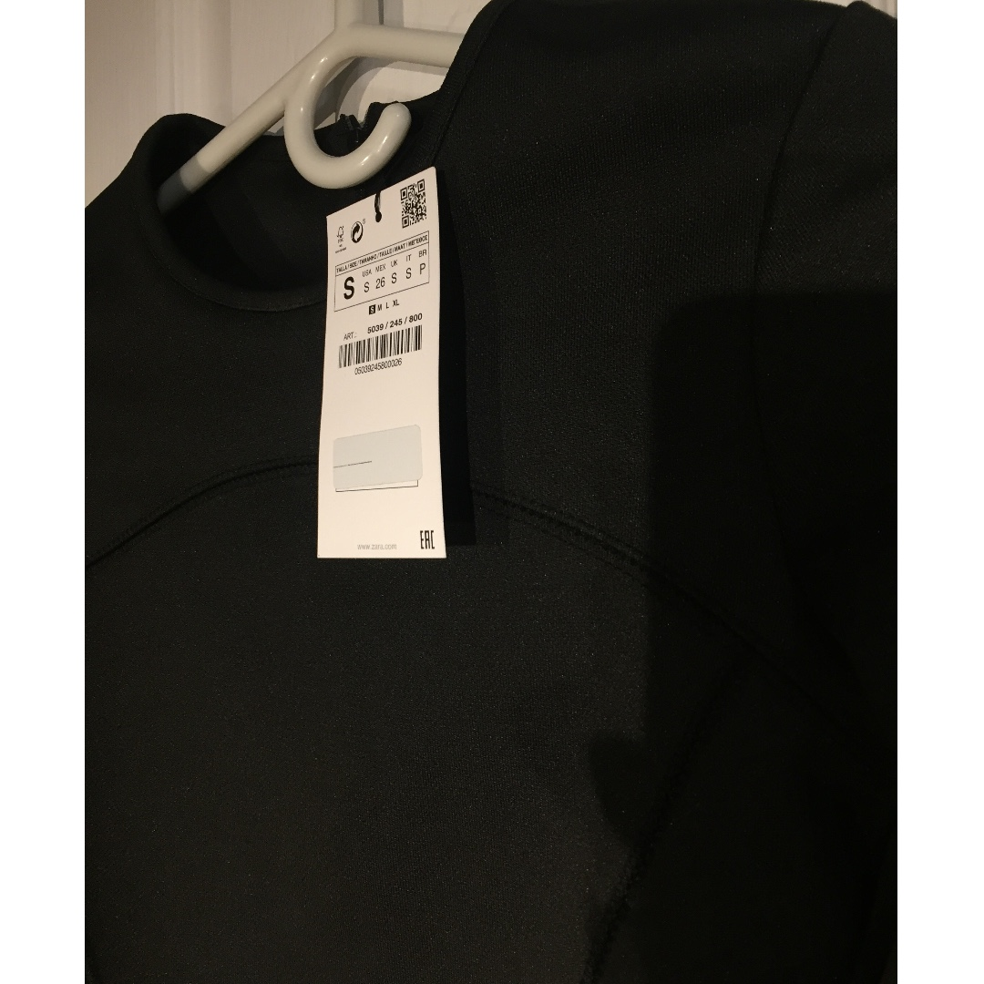 *New w/ Tags* Zara Black Long Sleeve Crop Top (Size Small)