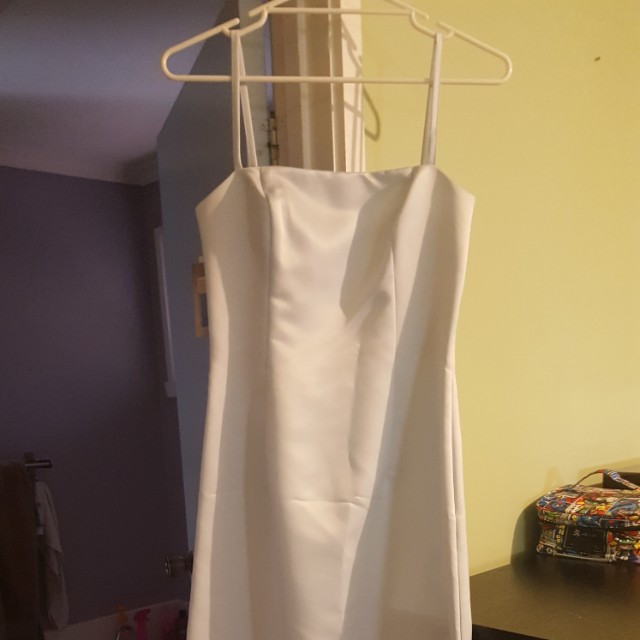 NWT JESSICA MCCLINTOCK PALE BLUE STRAPPY DRESS WITH BACK CUT OUT (SIZE 8 US)
