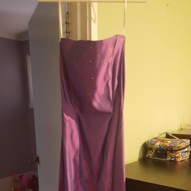 NWT WITH DEFECT JESSICA MCCLINTOCK PURPLE FUSHCIA STRAPLESS DRESS (SIZE 9 US)