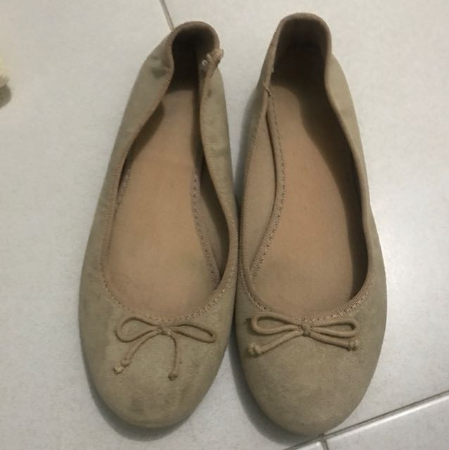 Old navy flat shoes size 37
