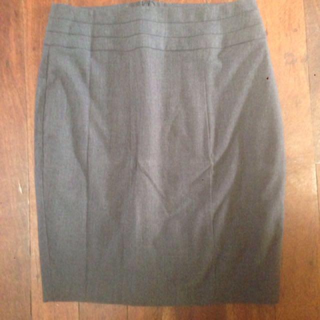 Portmans Knee Length Skirt Size 10