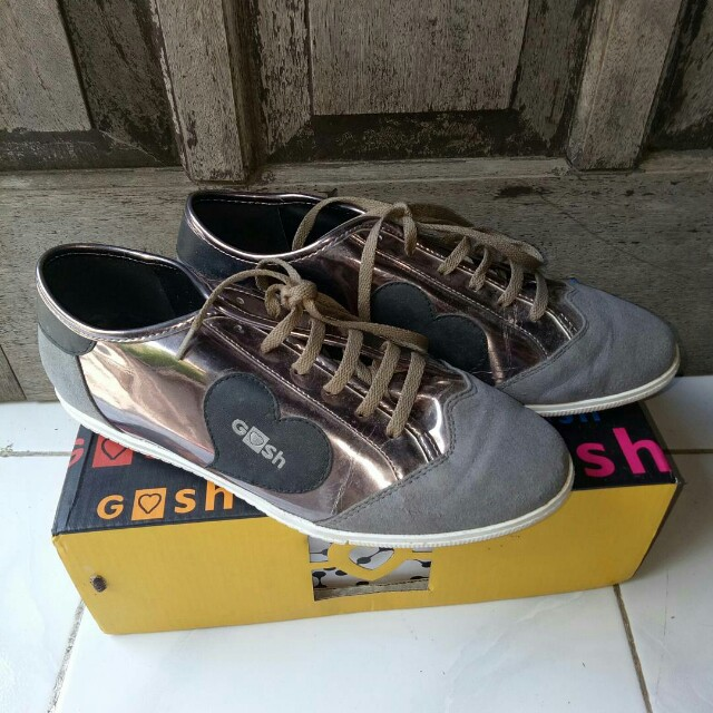 Sepatu gosh ukuran 40 510d974907