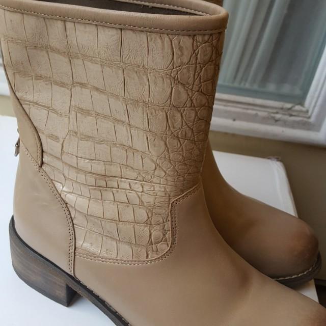 Size 35 Rudsak Leather Boots